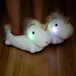 chaussons lumineux licorne